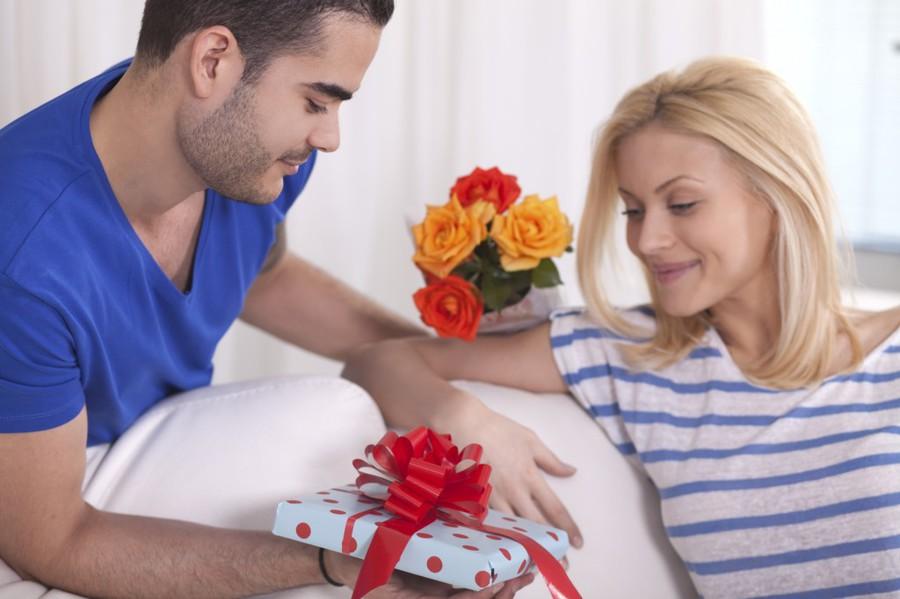 Сделать подарок  на 8 марта жене 5